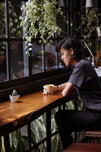 femme-pensive